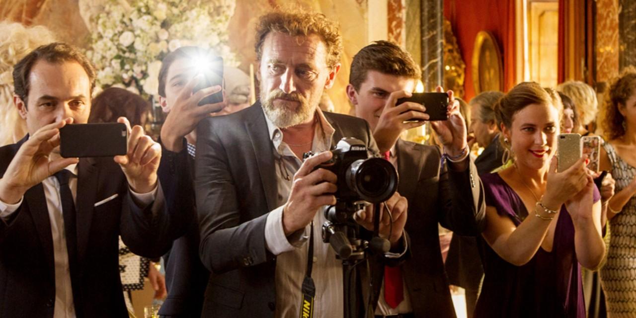 Le-sens-de-la-fete-nouveau-teaser-avec-Jean-Paul-Rouve-photographe-completement-largue